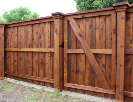 Charming Privacy Fence Design Ideas For You 21