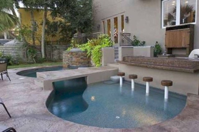 Excellent Small Swimming Pools Ideas For Small Backyards 27