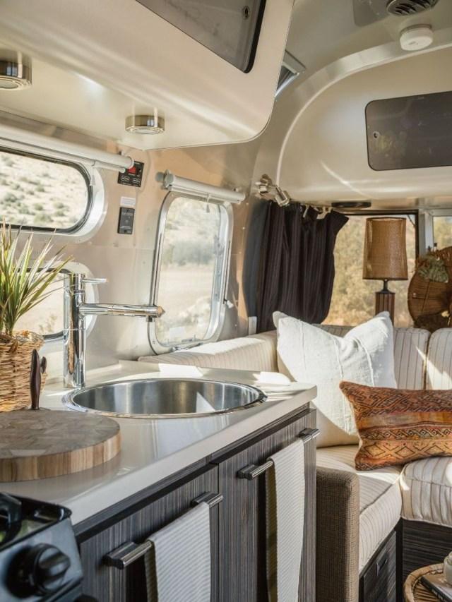 Impressive Airstream Interior Design Ideas To Try 32