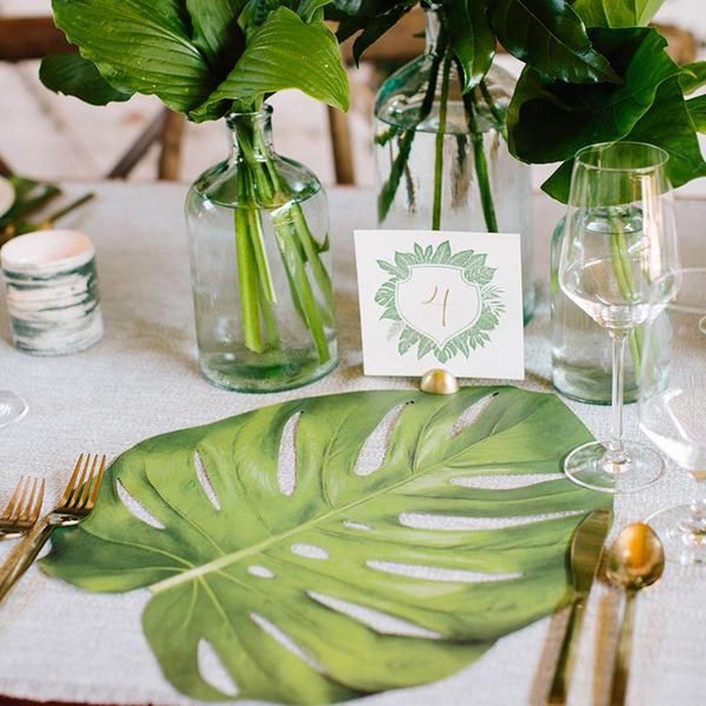 Splendid Tropical Leaf Decor Ideas For Home Design 33