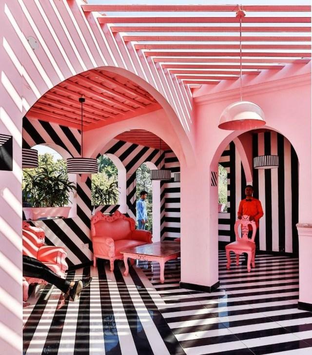 Vintage Pattern Interior Design Ideas To Try 07