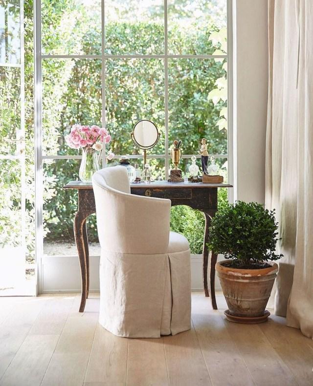 Vintage Pattern Interior Design Ideas To Try 34