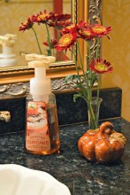 Attractive Fall Decor Ideas For Your Apartment To Try This Year 08