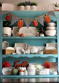 Attractive Fall Decor Ideas For Your Apartment To Try This Year 12