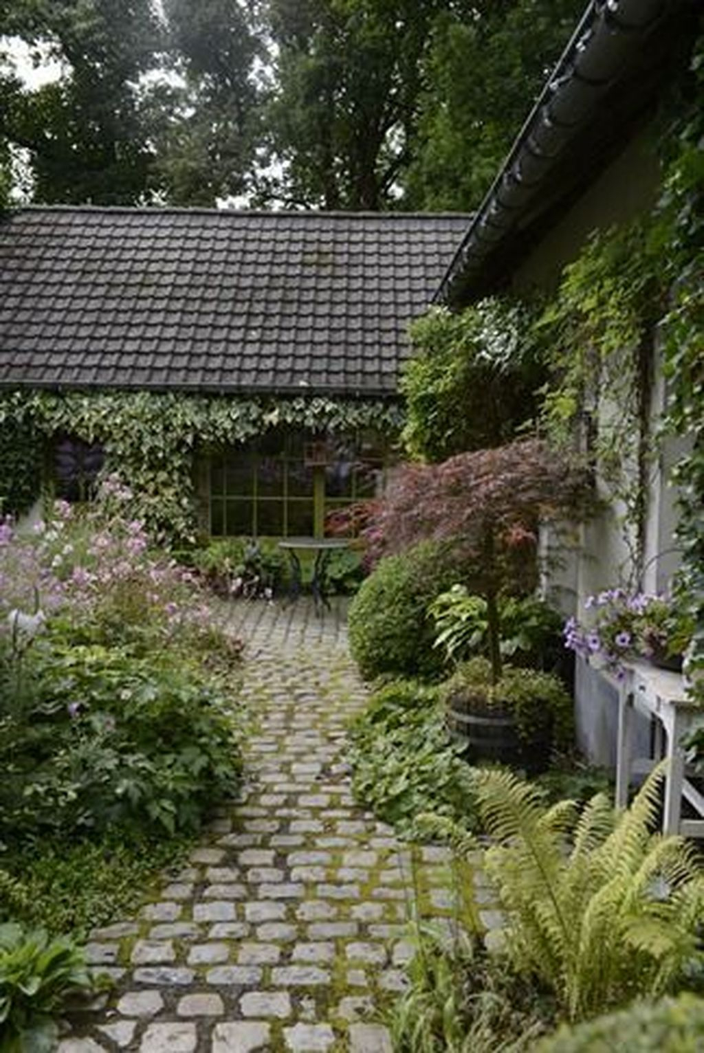 Beautiful Cottage Garden Ideas For Outdoor Space 25