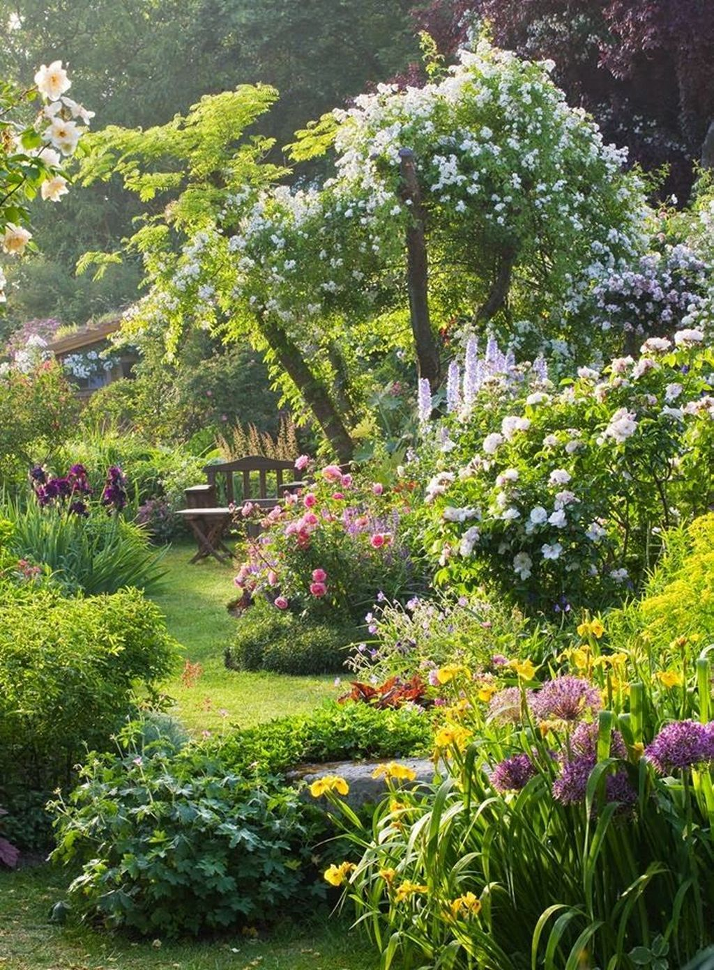 Beautiful Cottage Garden Ideas For Outdoor Space 26
