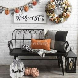 Beautiful Fall Porch Decor Ideas That Looks Modern 01