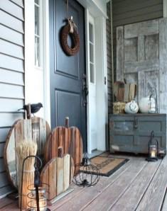 Beautiful Fall Porch Decor Ideas That Looks Modern 13