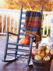 Beautiful Fall Porch Decor Ideas That Looks Modern 21