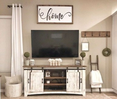 Casual Living Room Wall Decor Ideas That Looks Cool 09