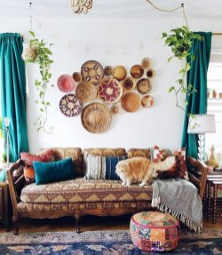 Casual Living Room Wall Decor Ideas That Looks Cool 16