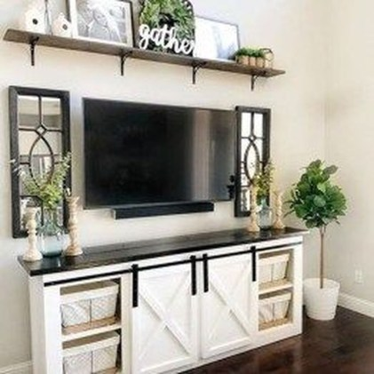 Casual Living Room Wall Decor Ideas That Looks Cool 19