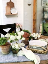 Elegant Summer Farmhouse Decor Ideas For Home 30
