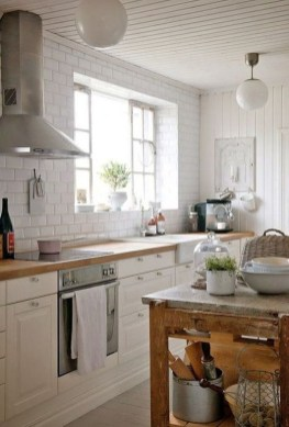 Amazing Scandinavian Kitchen Design Ideas With Island And Cabinets To Try07