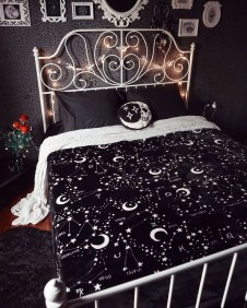 Best Witchy Apartment Bedroom Design To Try Asap29