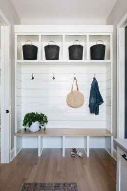 Delightful Mudroom Storage Design Ideas To Have Soon16