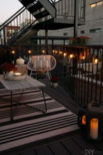 Impressive Fall Apartment Balcony Decorating Ideas To Try03