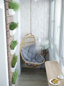 Impressive Fall Apartment Balcony Decorating Ideas To Try05