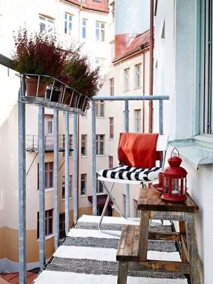 Impressive Fall Apartment Balcony Decorating Ideas To Try12