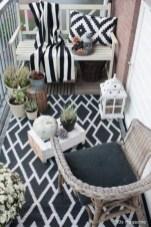 Impressive Fall Apartment Balcony Decorating Ideas To Try41