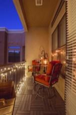 Impressive Fall Apartment Balcony Decorating Ideas To Try43