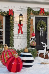 Stunning Diy Outdoor Decoration Ideas For Christmas That Looks Cool01