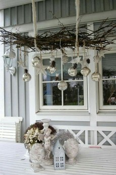 Stunning Diy Outdoor Decoration Ideas For Christmas That Looks Cool10