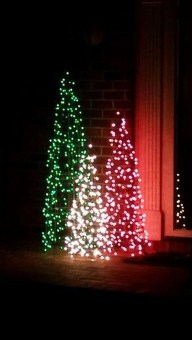 Stunning Diy Outdoor Decoration Ideas For Christmas That Looks Cool31