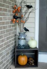 Unique Halloween Porch Ideas On A Budget30
