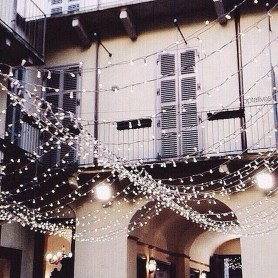Wonderful Interior And Exterior Atmosphere Ideas For Christmas Décor To Copy05