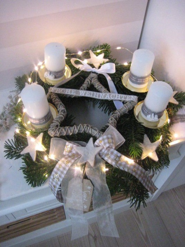 Wonderful Interior And Exterior Atmosphere Ideas For Christmas Décor To Copy37