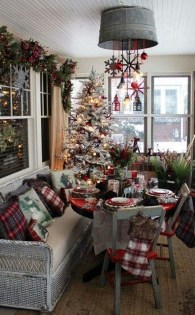 Astonishing Holiday Decorating Ideas With Lights To Try This Season 05
