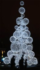 Astonishing Holiday Decorating Ideas With Lights To Try This Season 23