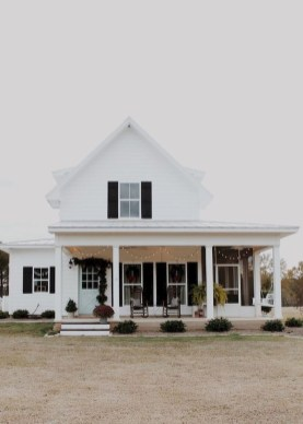 Captivating Farmhouse Exterior House Design Ideas To Copy Right Now 34