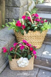 Chic Summer Planter Design Ideas For Summer Outdoor Pool 22