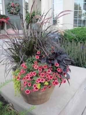 Chic Summer Planter Design Ideas For Summer Outdoor Pool 24