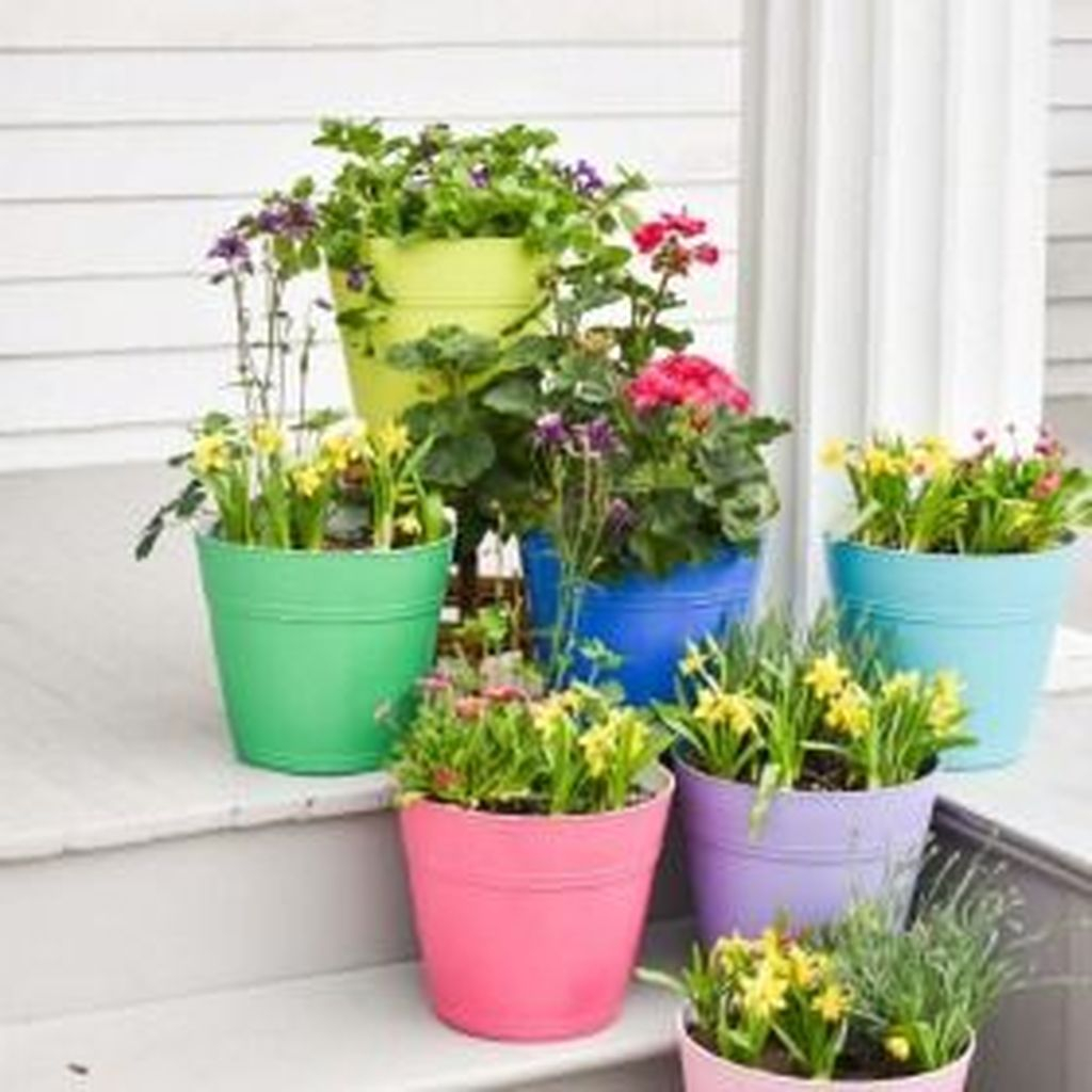 Chic Summer Planter Design Ideas For Summer Outdoor Pool 35