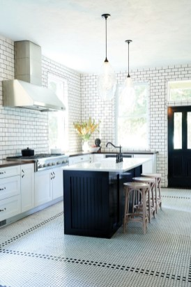 Fascinating Kitchen Design Ideas With Victorian Style 09