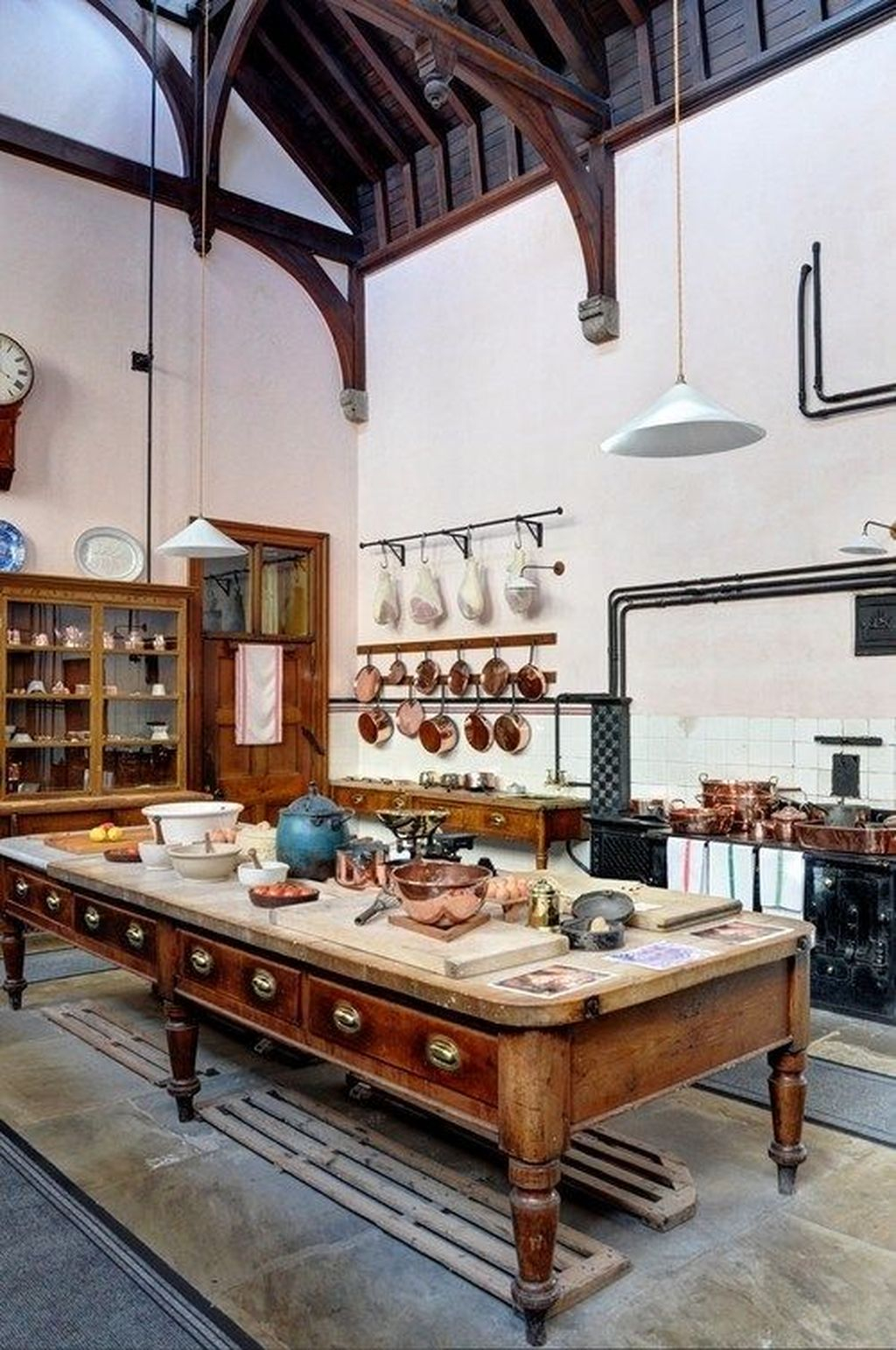 Fascinating Kitchen Design Ideas With Victorian Style 22