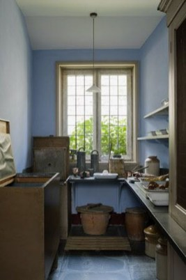 Fascinating Kitchen Design Ideas With Victorian Style 26