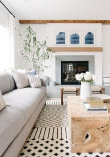 Lovely Living Room Decor Ideas That Cozy And Chic 22