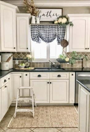 Outstanding Kitchen Decor Ideas To Update Your Home 25