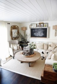 Popular Farmhouse Living Room Makeover Decor Ideas To Have Now 03