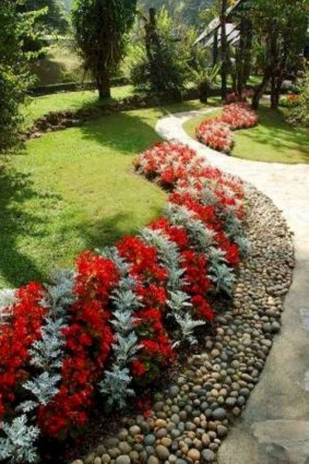 Unique Diy Flower Bed Ideas For Front Yard To Try 09