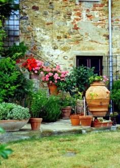Awesome Mediterranean Garden Design Ideas For Your Backyard 19