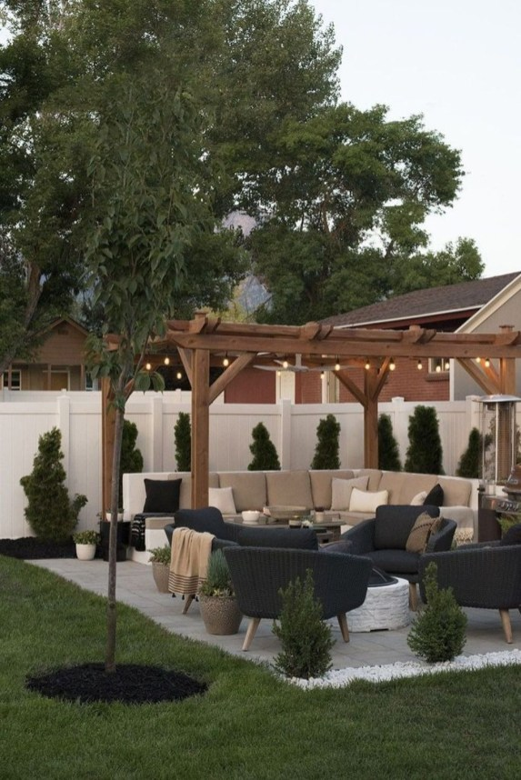 Captivating Backyard Patio Design Ideas That Will Amaze And Inspire You 34