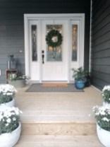 Dreamy Front Door Flower Pots Design Ideas To Increase Your Home Beauty 08