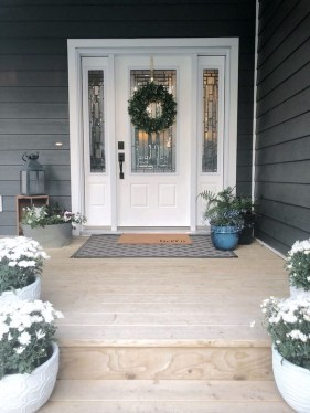 Dreamy Front Door Flower Pots Design Ideas To Increase Your Home Beauty 08