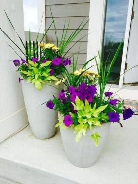 Dreamy Front Door Flower Pots Design Ideas To Increase Your Home Beauty 09