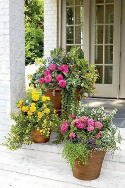 Dreamy Front Door Flower Pots Design Ideas To Increase Your Home Beauty 15